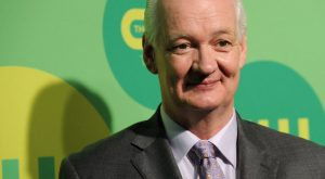 Colin Mochrie Net Worth, Biography, Family, Career, and Personal Life